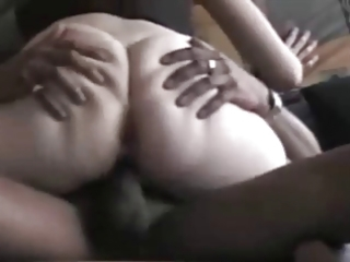amateur ass wife hooks up with black guy