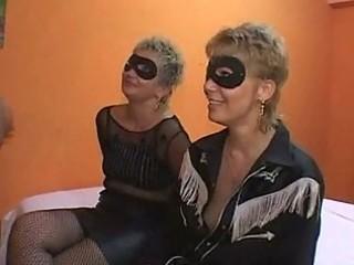 mother and daughter fuckfest orgia con mommy e