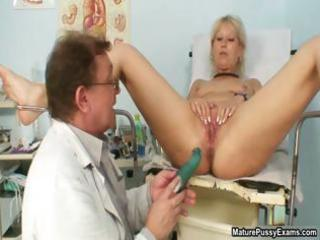 bawdy older mamma showing her trickling part9