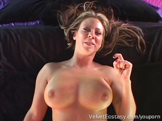 hot mother i with large natural tits cums hard in