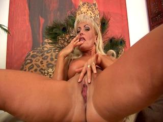 older blonde sadie orgasms - czechsuperstars