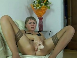 horny neighbour feeding a lusty mama