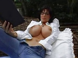 Bigtits milf brunette in glasses masturbating