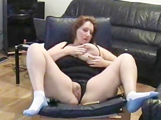 self recorded older bitch masturbating