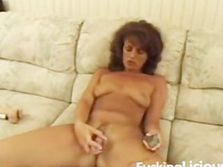 older playgirl toying hairy twat