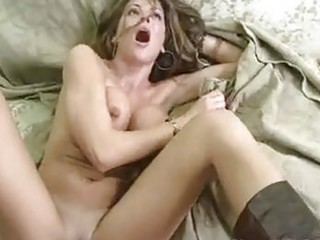 Tempting hot momma hunter bryce receives a hot