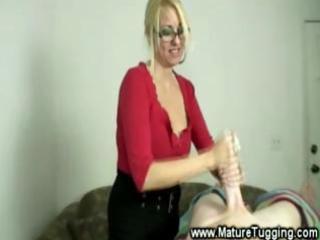 bold mother i enjoys tugging jock