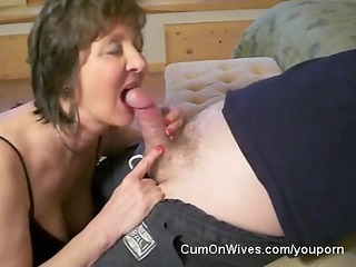 older mommy gives great head