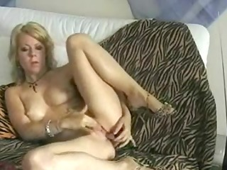 Mother Id Like To Fuck masturbating