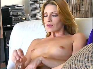 nice-looking older cougar masturbates with