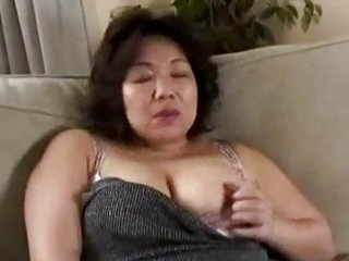 breasty milf getting her wobblers rubbed giving