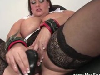 big beautiful woman d like to fuck acquires dildo