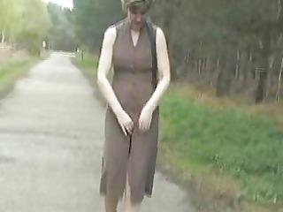sara woodland walk