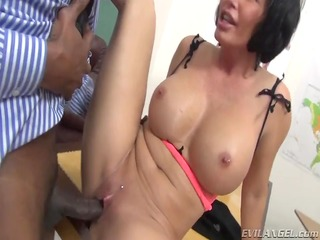 hot mother id like to fuck receives her wet crack