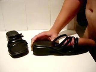 wife heels spunk fountain