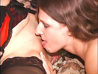 cute dark brown arse licking lesbian babes in