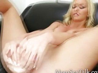 gorgeous blonde d like to fuck with big hips