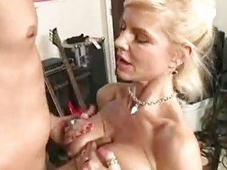 hot momma crystal white gets her mouth glided