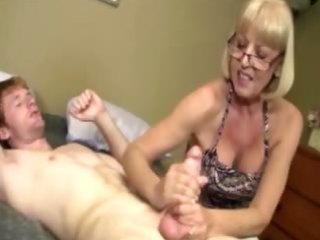 giving granny is giving a rod massage