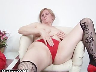 slutty old mommy is penetrating part11