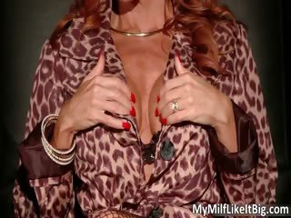 large boobed redhead sexy hawt body d like to fuck