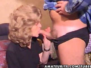 older dilettante wife homemade orall-service with