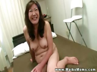 oriental d like to fuck fills throat with shlong