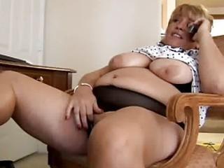 older big beautiful woman fingering herself