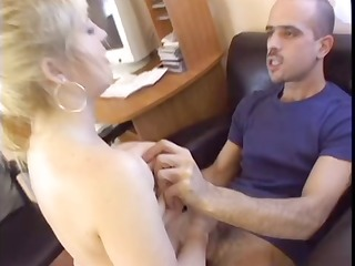 babe fucked in an office