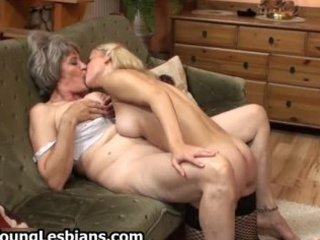 chubby aged wife gets her shaggy snatch part2
